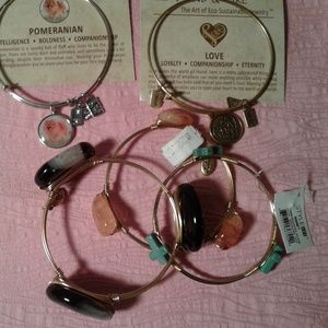 Jewelry - Lot of 5 Assorted Gold & Silver Tone Bangles